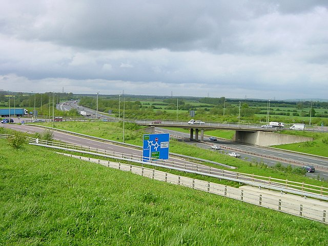 Junction 8a, M40