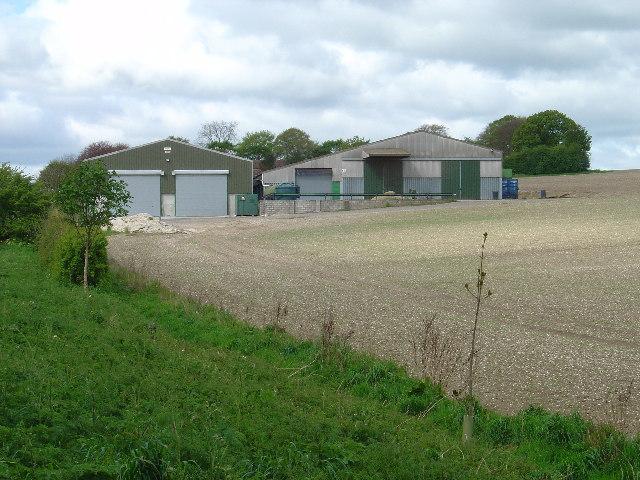 Farm Buildings near Middleton Lodge