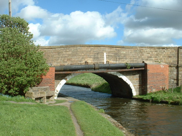 Bridge on Leeds-Liverpool Canal, near Huncoat