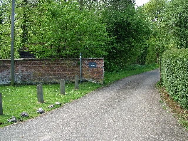 Eastern path into Watlington Park