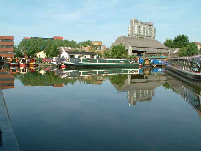 Canal basin at Aylesbury