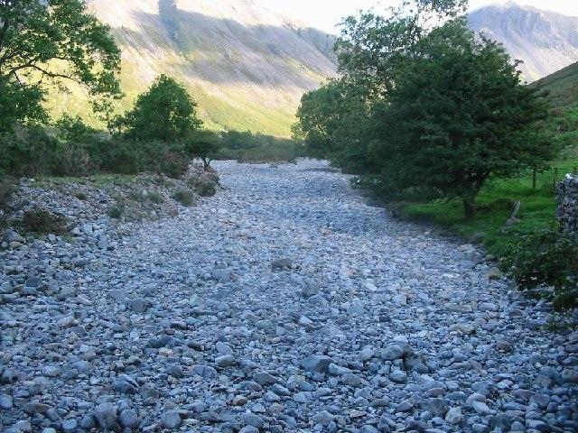 Stones chocking Lingmell Beck