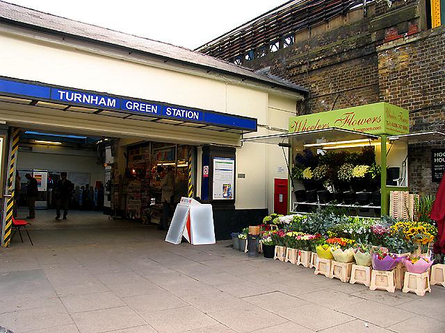 Turnham Green Tube Station