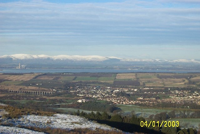 Linlithgow, Ochil Hills and Longannet from Cockleroy