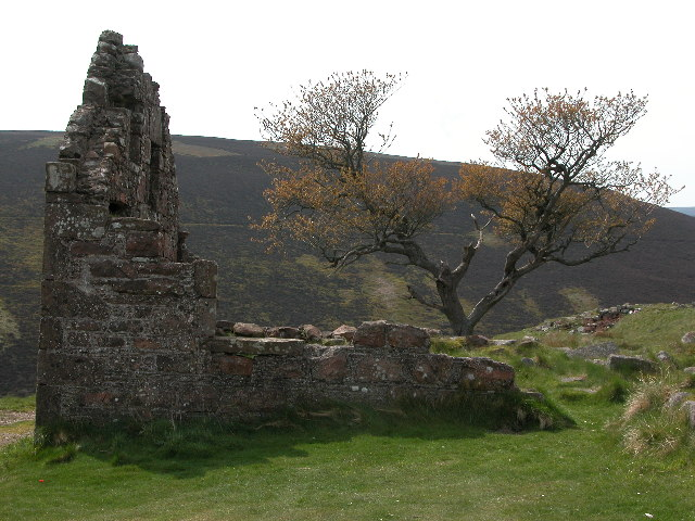 Ruin on the Cairn o Mount road