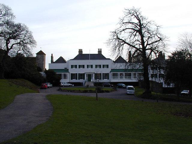 Preston Manor, Front View