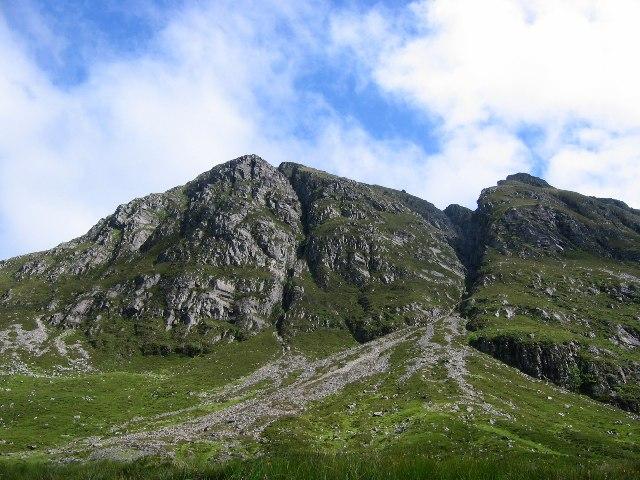 West face of Sgurr na Ceannaichean.