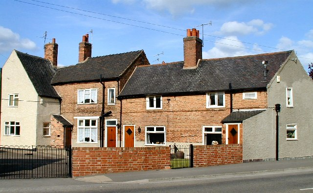 Cottages on Wilne Road