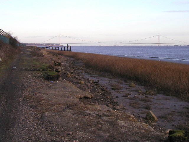 The Humber Bridge from near East Clough
