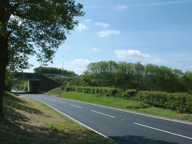 M25 crossing Cattlegate Road