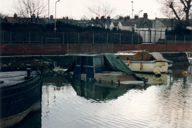 Gravesend canal basin