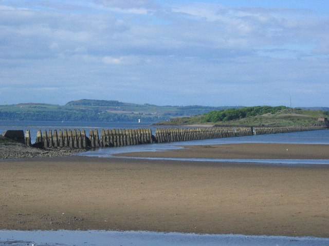 Old pipeline to Cramond Island