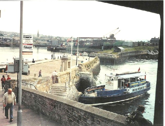 Plymouth.  The Mayflower Steps