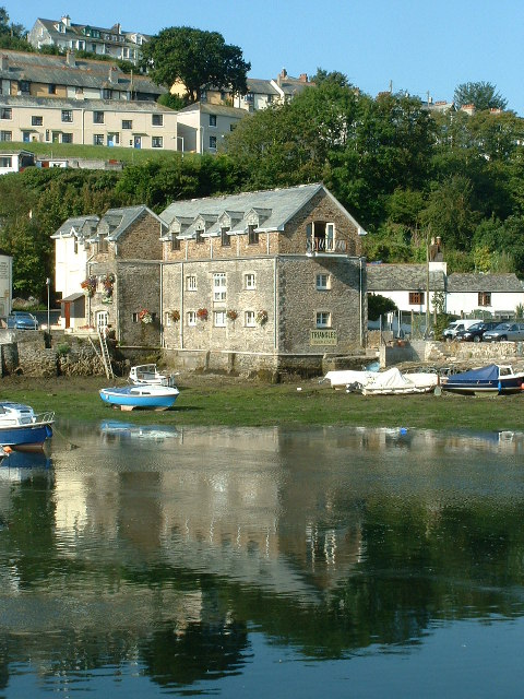 Old Wharfage in West Looe