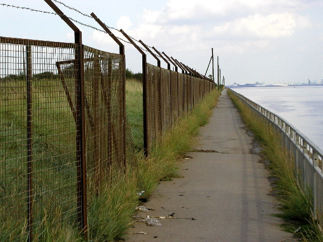The scruffy path at the side of the Humber