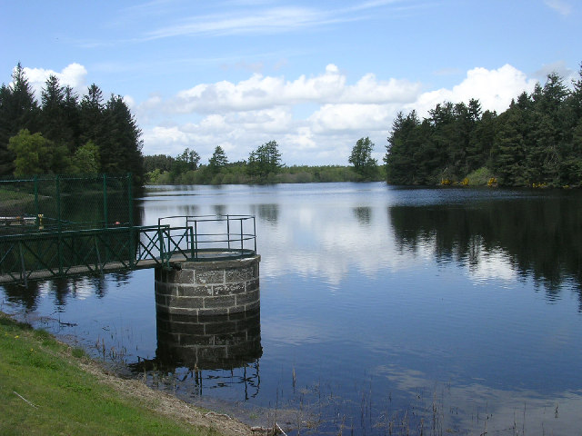 Crombie reservoir, Crombie Country Park