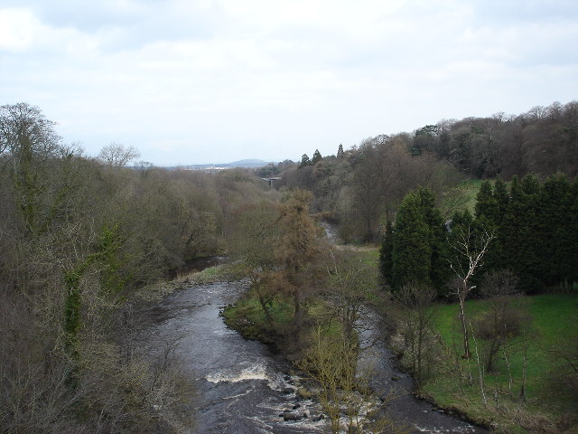 River Almond from Aqueduct on Union Canal