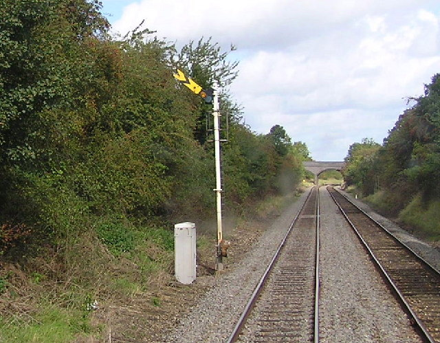 Semaphore distant signal on the approach to Henley in Arden.