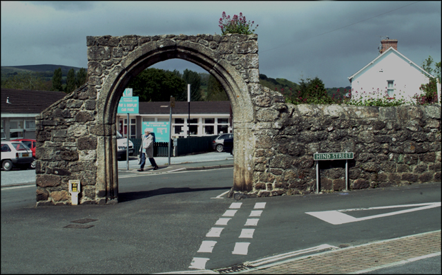 Cromwells Arch, Bovey Tracey