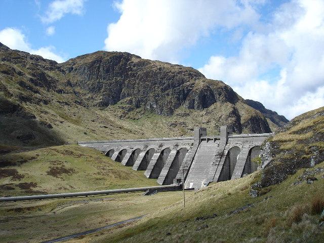 Dam on Lochan an Lairige