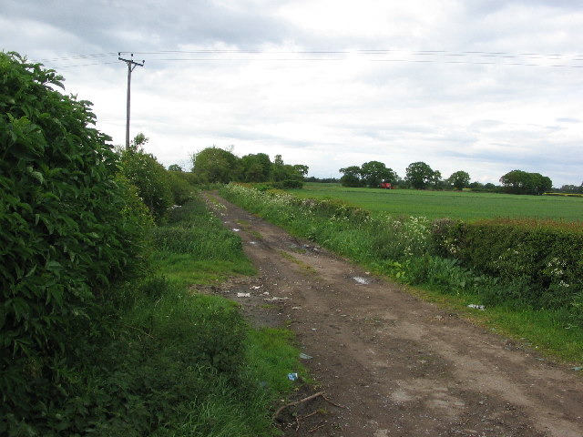 Bridleway heading north from B1224