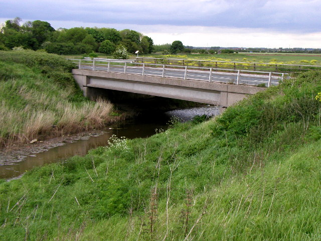 The bridge over Hedon Haven on the road from Hull to Paull