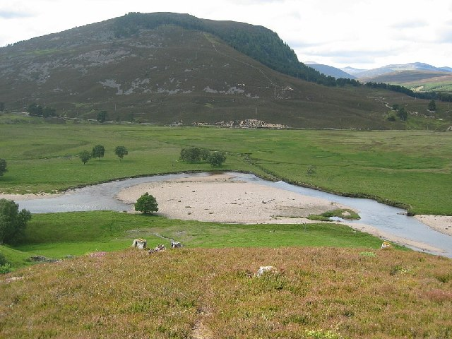 Meander on River Dee