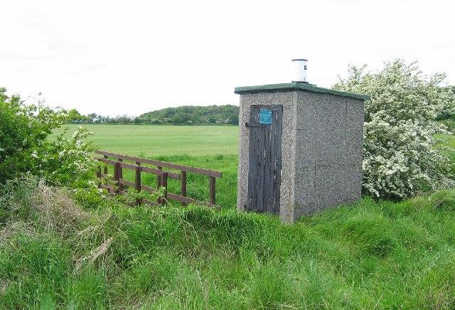 Water monitoring station, Peffer Burn.