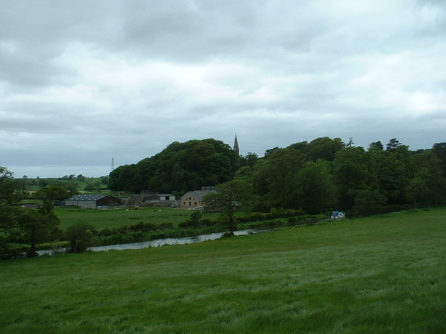 Cragg Hall Farm and Lancaster Canal, near Galgate