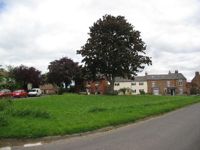 Tollerton village green