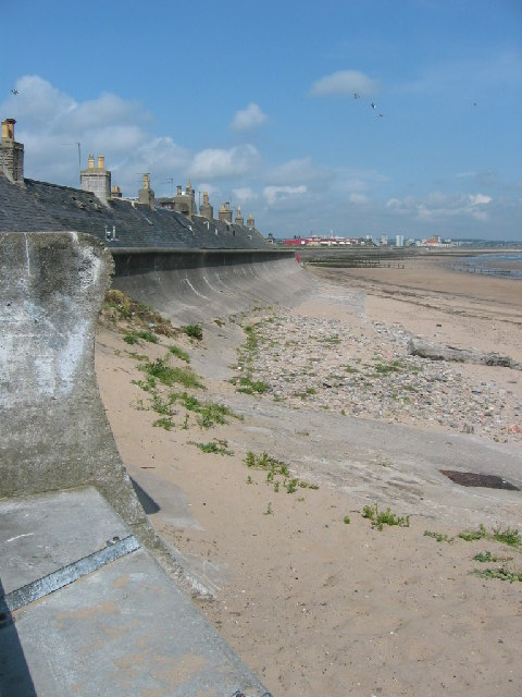 Sea wall at Footdee