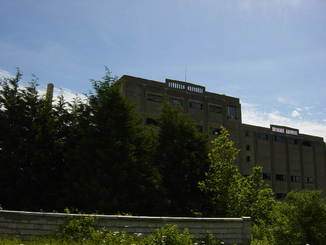 Derelict Buildings at the old Cement Works