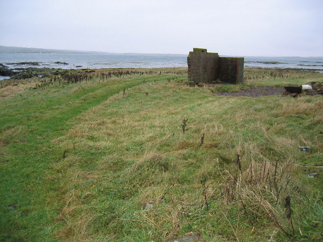 Unidentified WWII military building at Gartbreck near Bowmore