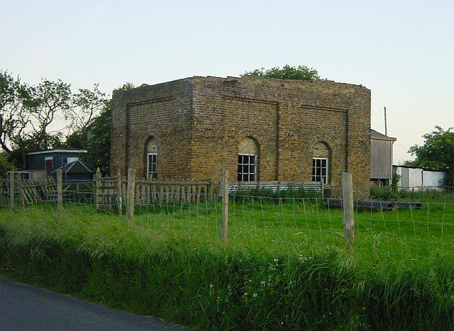 Derelict building at Uplees