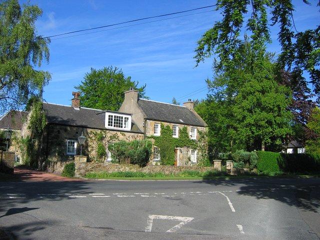 Former farmhouse, Mauricewood.