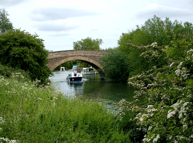 Tadpole Bridge. River Thames Oxfordshire