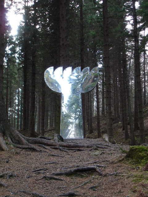 Beacon sculpture in Tyrebagger Forest