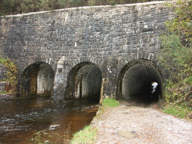 Allt Sheangain - tunnel under Caledonian Canal