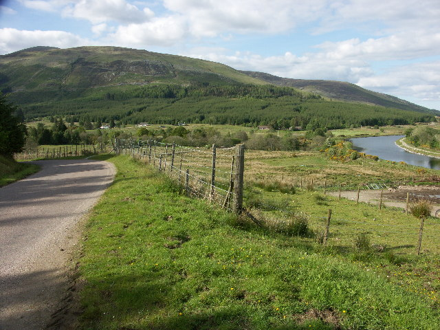 B8004 and Caledonian Canal near Glen Loy