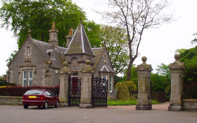 Ferryhill entrance to the Duthie Park