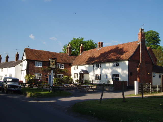 Eyston Arms pub & the Old Post Office, East Hendred - 1