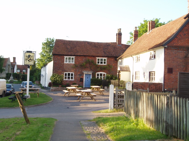Eyston Arms pub & the Old Post Office, East Hendred