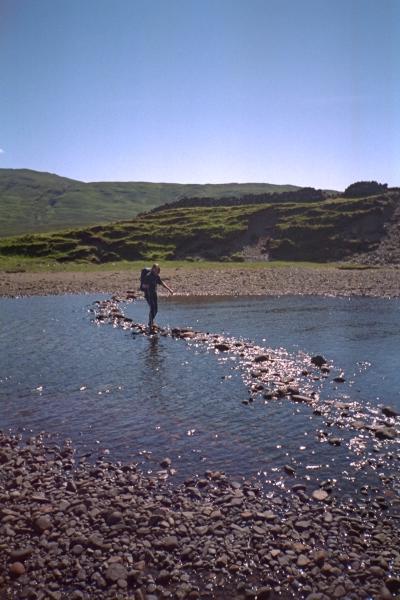 Stepping stones, Abhainn Camus Fhionnairigh