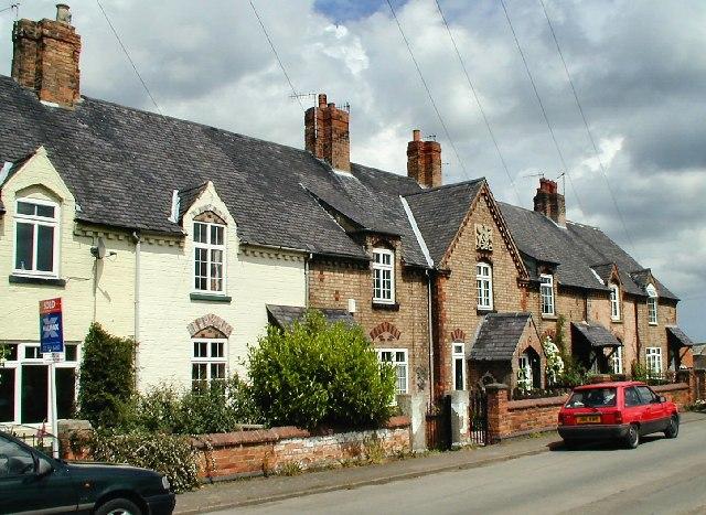 Houses at Thrumpton