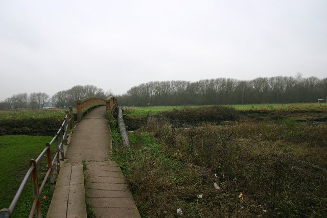 Bridge over the River Tame at Kingsbury
