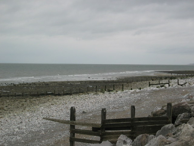 Llanddulas beach looking east