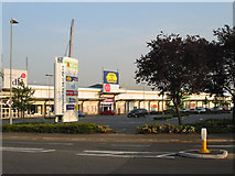 SU9580 : Slough Retail Park, Twinches Lane by Darren Smith