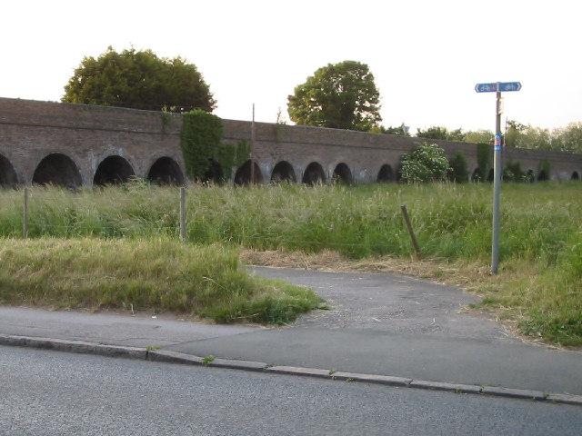 Slough to Windsor railway viaduct, Eton