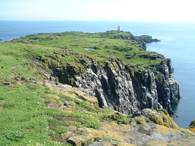 View towards Maiden Hair (SE), Isle of May