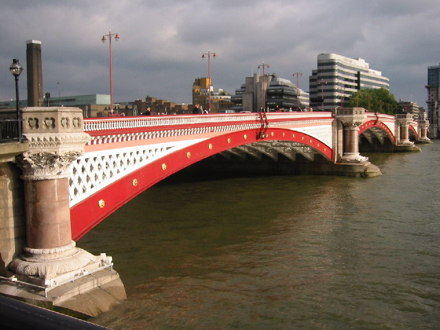 Blackfriars Bridge, EC4